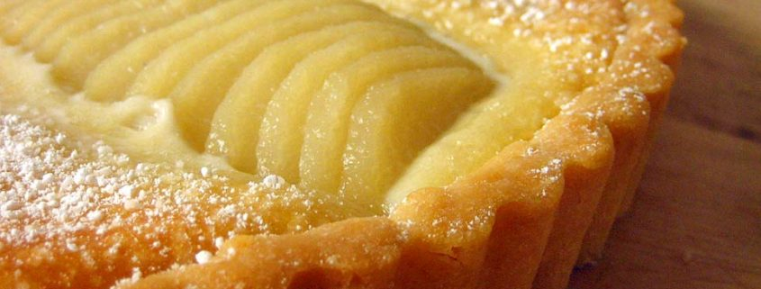 Pears with cream pie